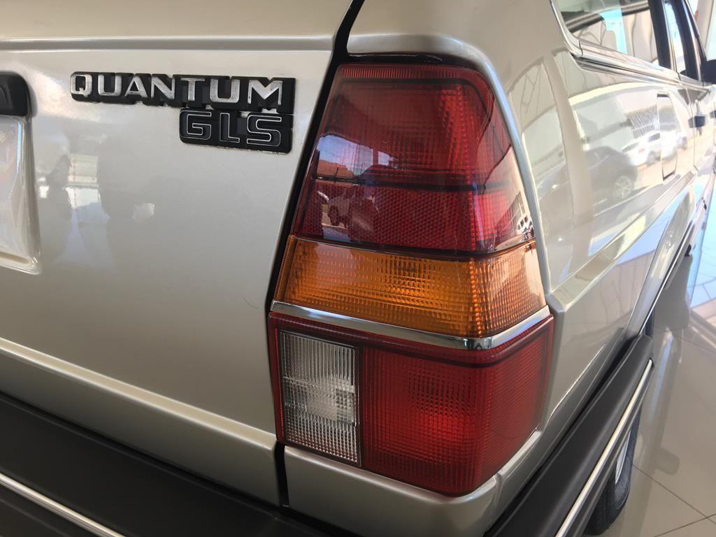 Quantum GLS 2000 - 1989 Com um forte e ágil motor AP e um acabamento interno impecável.