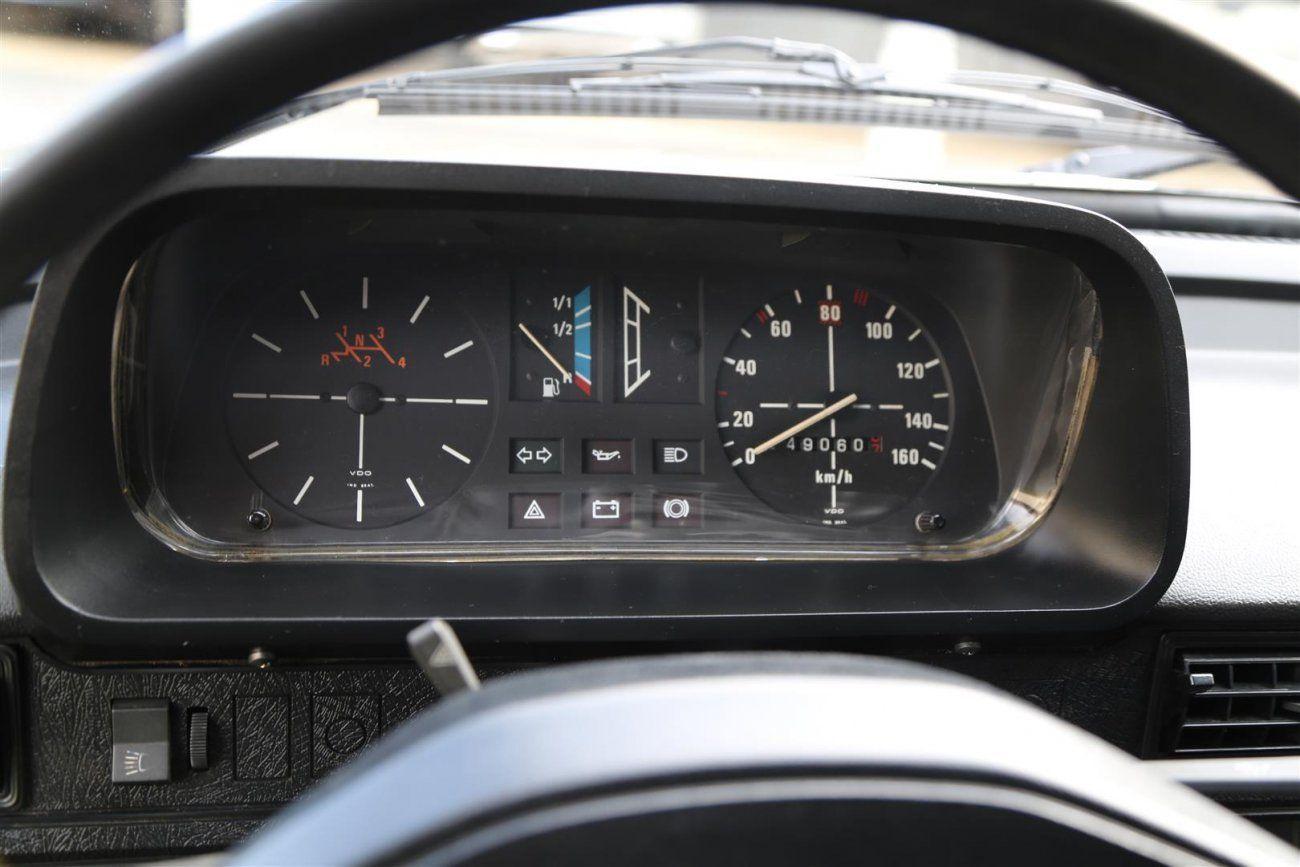 Volkswagen Brasilia 1980 ganha painel do Polo Alemão, uma vergonha para o recém lançado GOL.