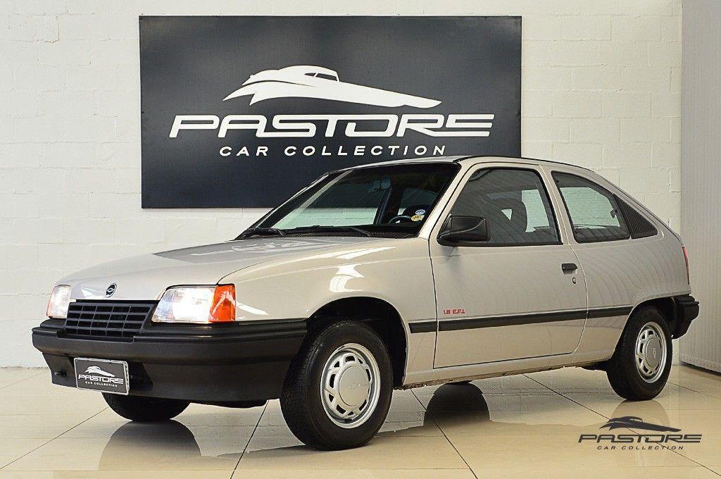 Chevrolet Kadett GL 1.8 EFI 1994 A versão média com muito conforto e agilidade.
