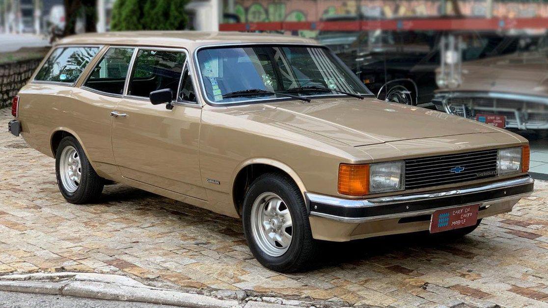 cropped-Caravan-Standard-4.1-6-cilindros-1980-Motor-Tudo.jpg