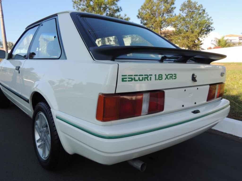 Escort-XR3-1.8-Banetton-1989-Motor-Tudo-10