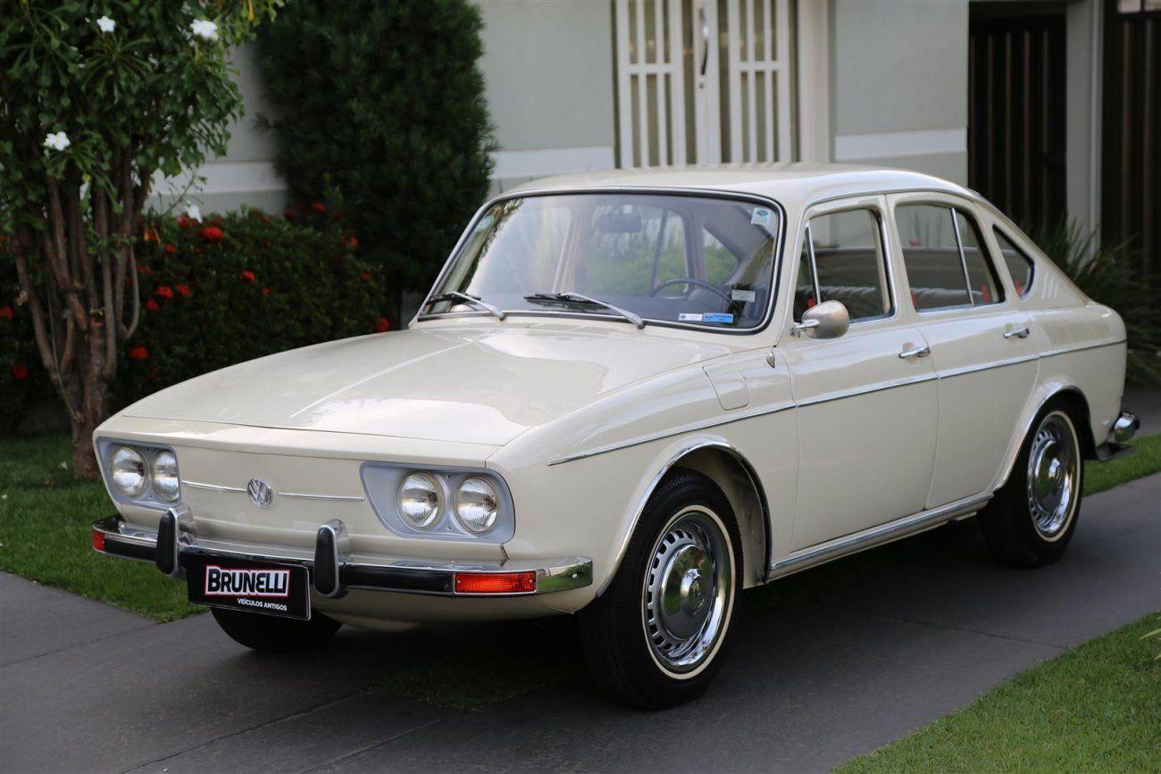 VW TL 4 portas 1971 um compacto com status de modelo médio